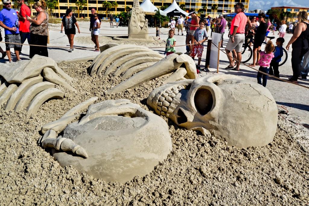 Love Never Dies sculpture