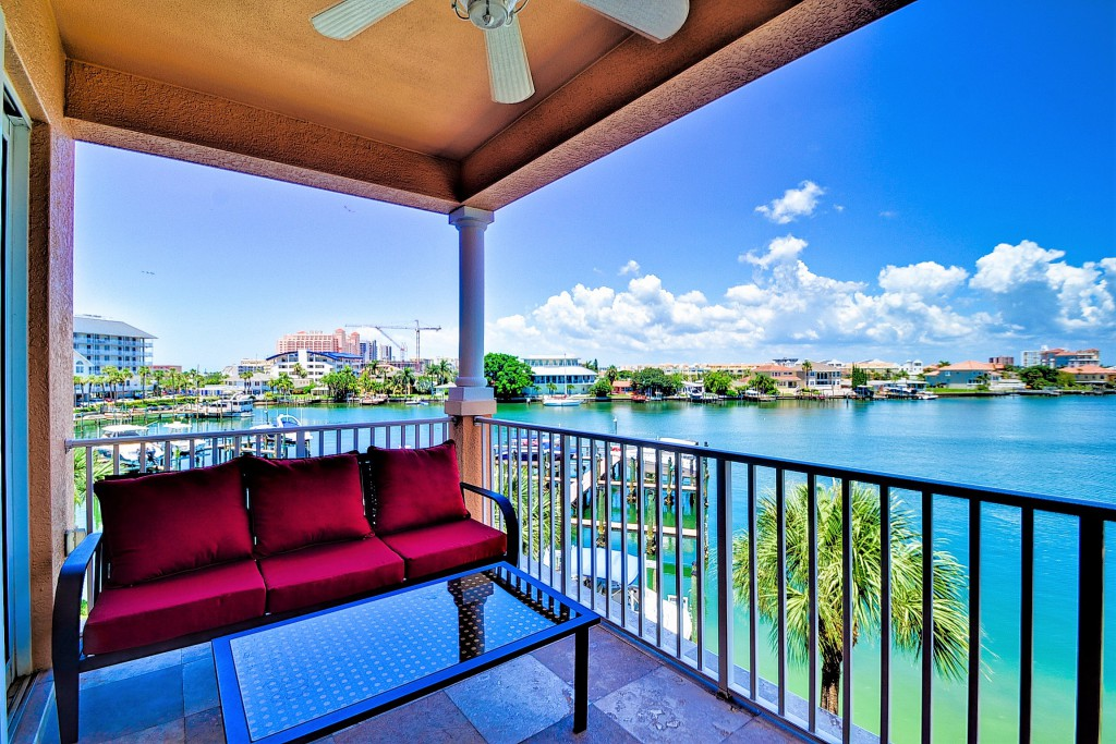 Florida Beach Rentals Harborview Grande 307 balcony