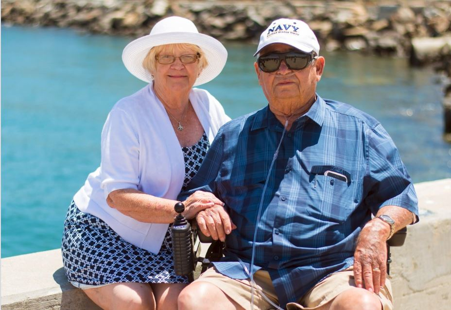 Keys to stress-free traveling with an elderly parent
