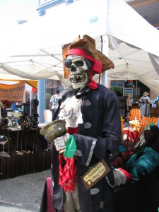 John Levique Pirate days skeleton manequin